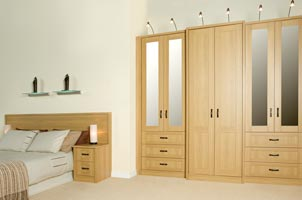 Bedroom Furniture On Oak Bedroom Furniture